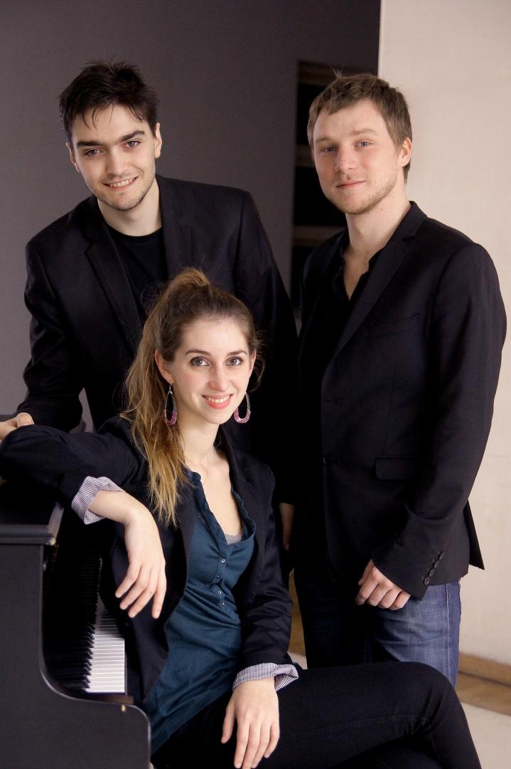 trio marchen.jpg